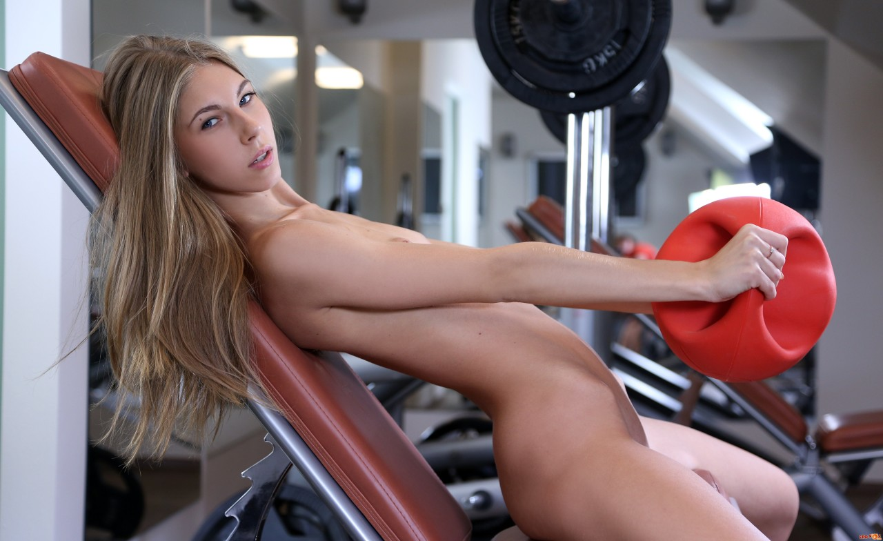 Gym babes xxx, holly valance nude pussy